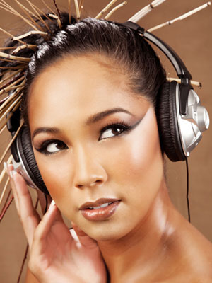 rby-woman-with-headphones-mdn-14839590