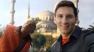 turkish_airlines_kobe_vs_messi_selfie_0