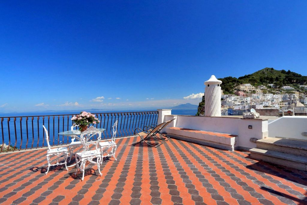 Best place to stay in capri for squad travels for Capri luxury villas